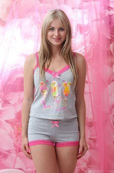 Пижама с кружевной отделкой: топ и шорты FIORITA